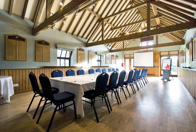 long_barn_conference_room_640